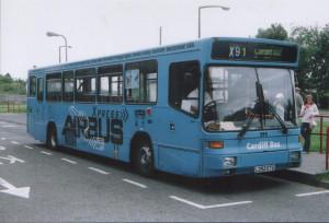 Cardiff airport bus