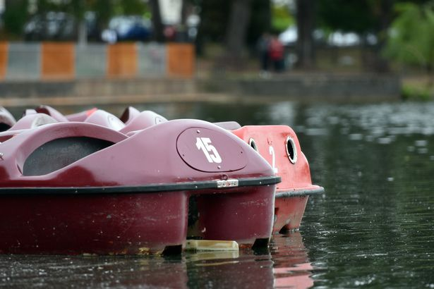 Roath Park lake algae boats